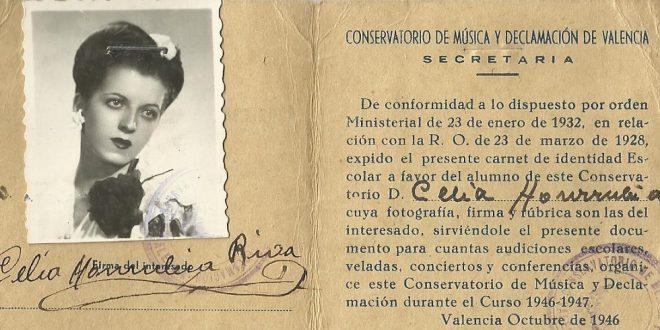 La alumna Celia Honrubia. Música y declamación.