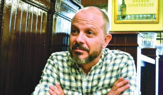"""Fernando Cabrera: """"Intento dar visibilidad al trabajo del actor de doblaje""""."""